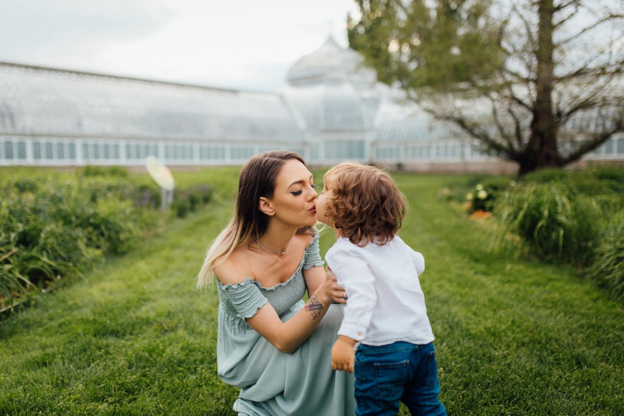 wild-native-photography-pittsburgh-lifestyle-photographer-phipps-conservatory-caitlin-elijah_0348