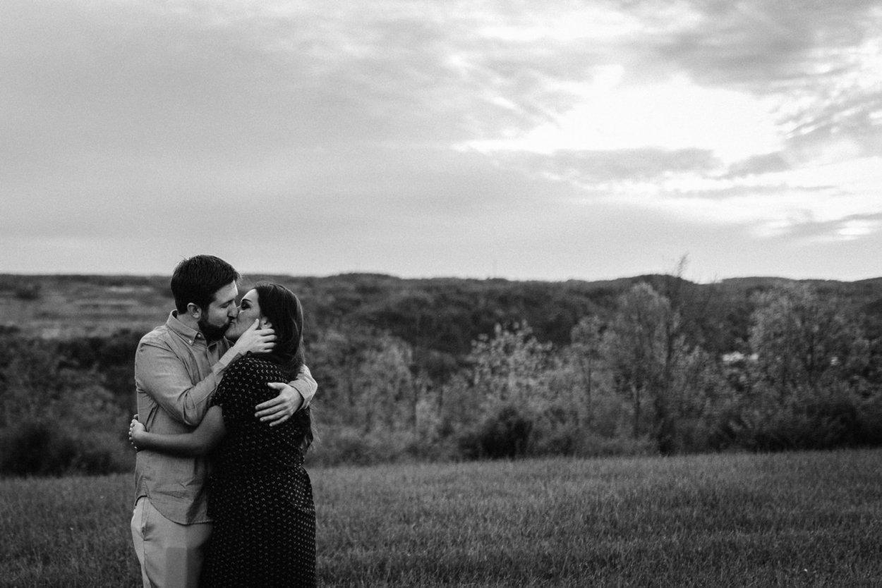 wild-native-photography-pittsburgh-pa-engagement-wedding-photographer-brooke-hills-park-danielle-frank_0419