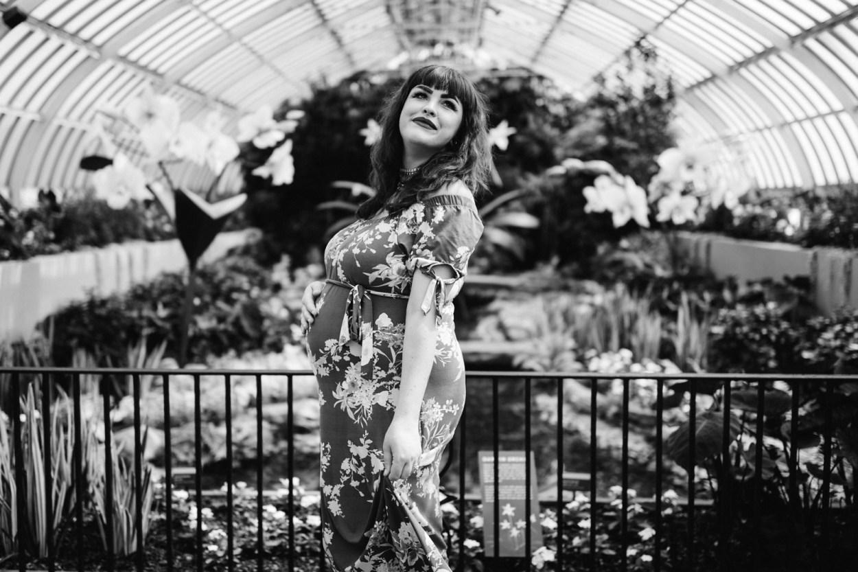 Maternity Photo Shoot Phipps Botanical Garden Pittsburgh
