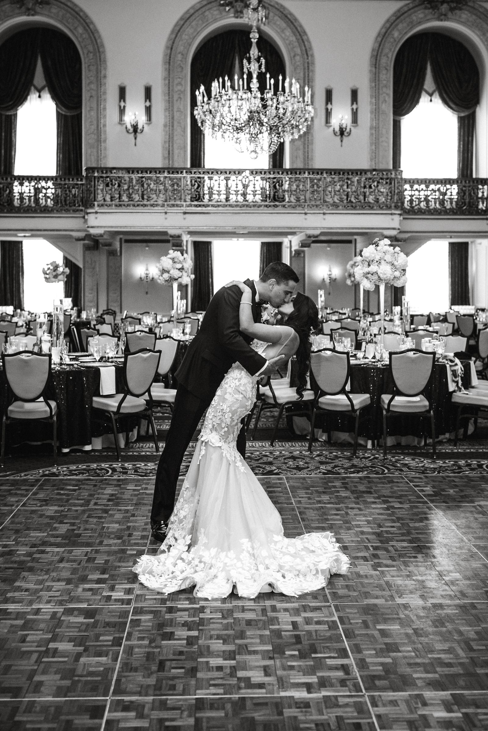 Pittsburgh Wedding Photographer Omni William Penn Hotel