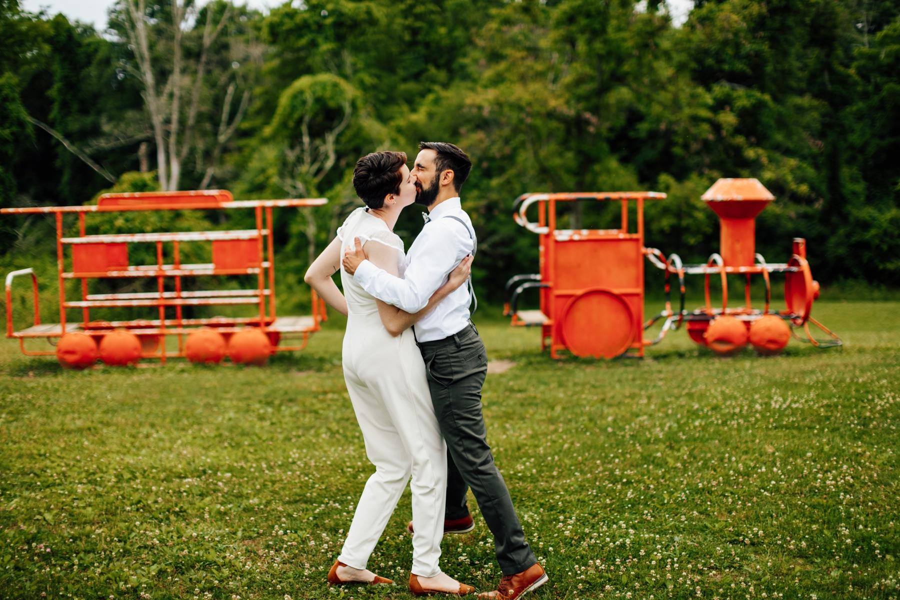 Pittsburgh photographer engagement settlers cabin park