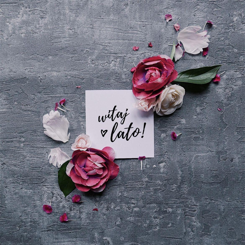 plakaty typograficzne flatlay instagram