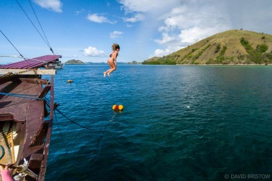 It's the single best thing you can experience in Flores, but choosing a cruise through Komodo National Park can be a bit of a head-trip