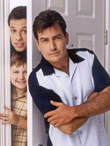 Two & A Half Man: die Kult-Serie mit Charlie Sheen - Applaus für jeden Absturz!