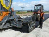 Flughafen Calden: Asphalt für die Landebahn