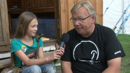 Die vielleicht jüngste Buchautorin interviewt Bernd Stelter