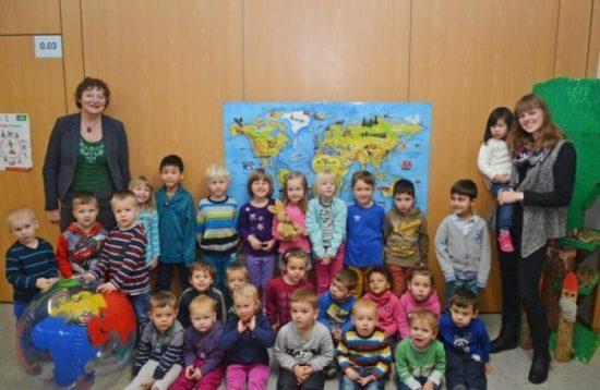 Die Kinder der Kita Fasanenweg freuen sich schon sehr auf die Erlebnisse mit dem kleinen Hasen Felix  (c) Fotograf: Ines Wäntig