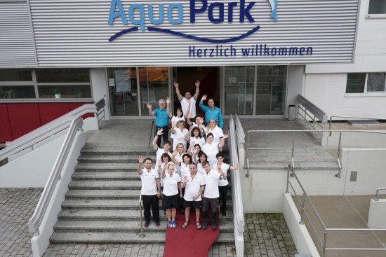 AquaPark-Team auf rotem Teppich
