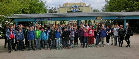 Jugendpflegen Wolfhagen, Breuna u. Volkmarsen fahren mit 55 Jugendlichen in den Movie-Park