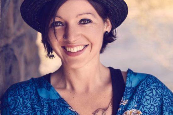 Unbeschwertheit - Singer-Songwriterin Nadine Fingerhut mit neuer Singel