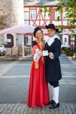 Janina Till und ihr Verlobter Cetin Celik sind das Herborner Hessentags-Paar 2016.