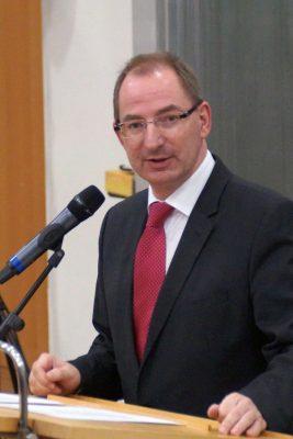 Dr. Oliver Herrmann