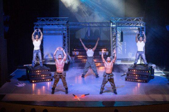 """Von Pole- bis Breakdance: Die Tänzer der """"Sixxpaxx"""" wissen mit ihrem tänzerischen Können zu beeindrucken. Foto: Marcografie-Marco-Mueller"""