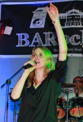 City Rock Festival voller Erfolg - Über 600 Zuschauer rockten auf dem Bad Arolser Kirchplatz.
