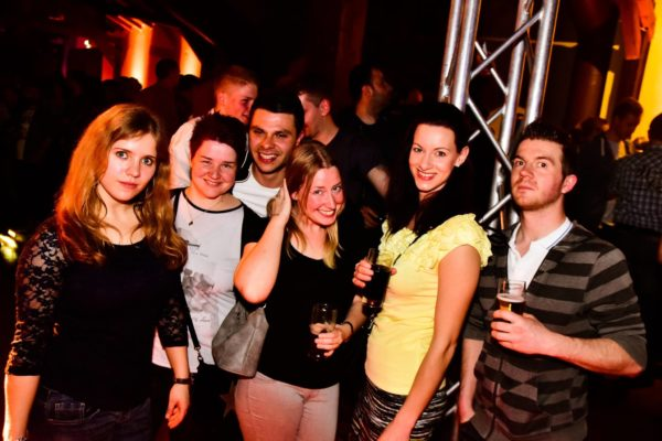 """Welcome back to the 90s"" Die 90er Party in der Stadthalle Warburg"