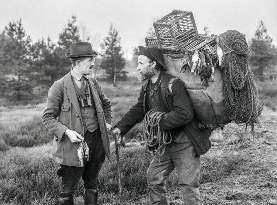 Hermann Reichling mit einem Vogelfänger