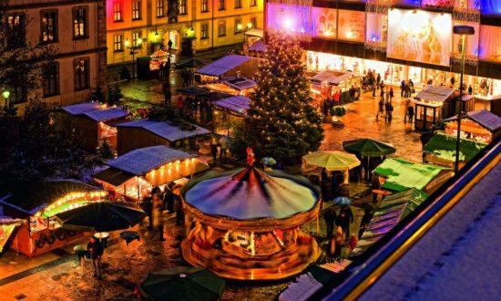 Der Weihnachtsmarkt in Fulda erstrahlt im vollen Glanz