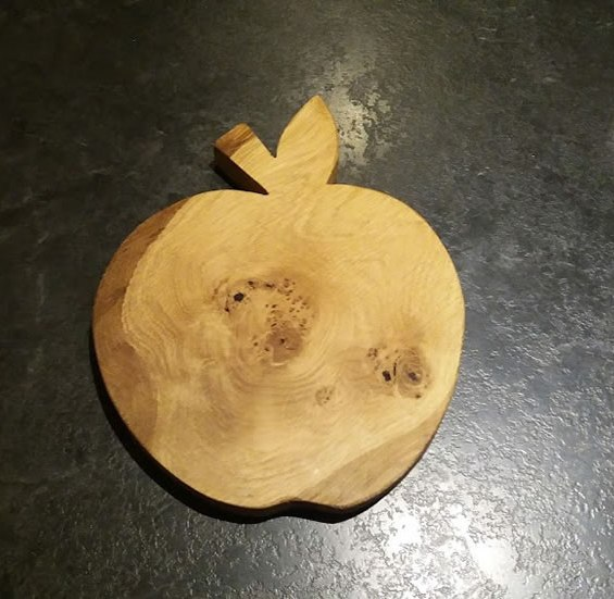 Hardwood Apple Cheese / Breadboard. Oak