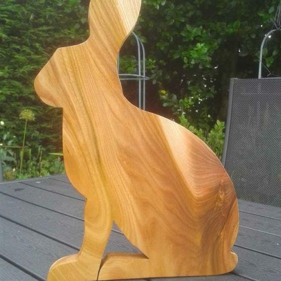 Hardwood Hare Cheese / Breadboard. Elm
