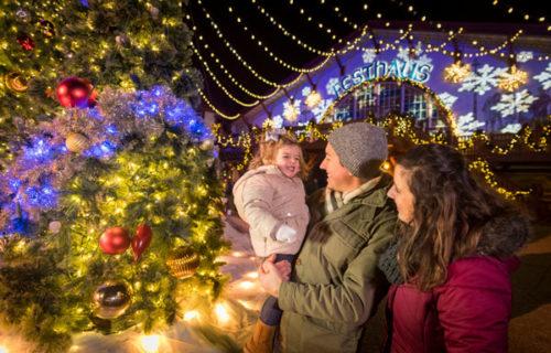 Williamsburg Christmas Town Busch Gardens.Busch Gardens Christmas Town Deals