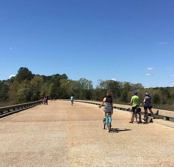 Recreation-on-the-Colonial-Parkway