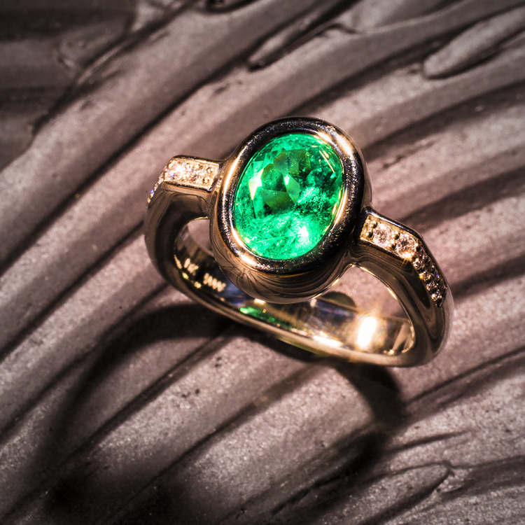 Emerald Under Ring 750 William A Weidinger