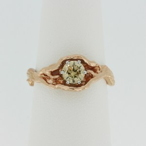Tree ring with champagne diamond
