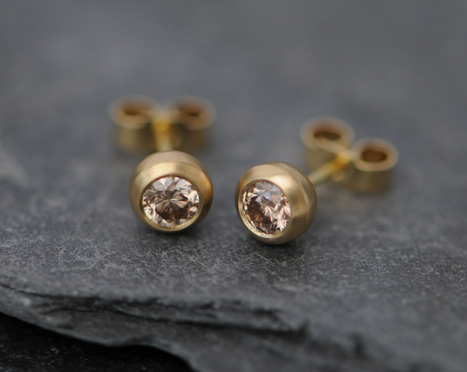 gold bloucleschamp champagne diamonds earrings stud diamond