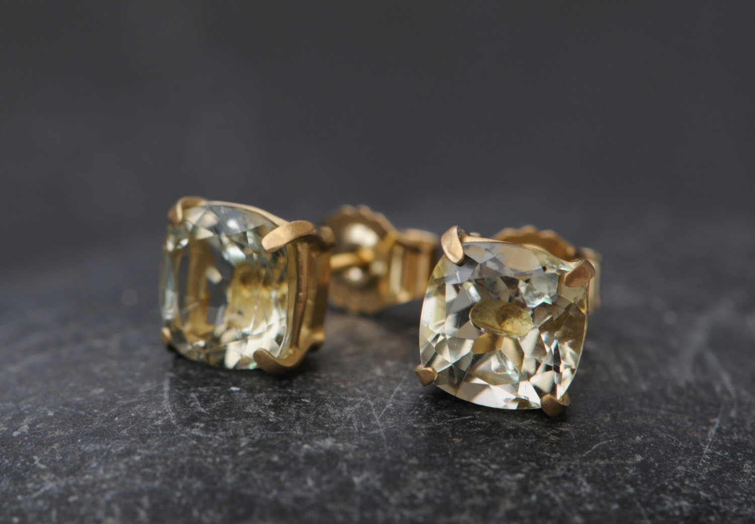 diamond gucci gg gold running white stud earrings