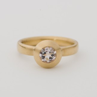Gold ring with pale pink morganite solitaire
