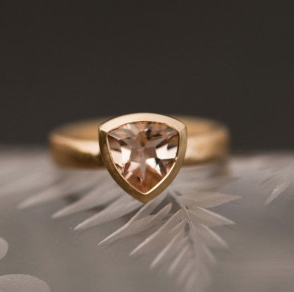 morganite trillion 18K gold front 3