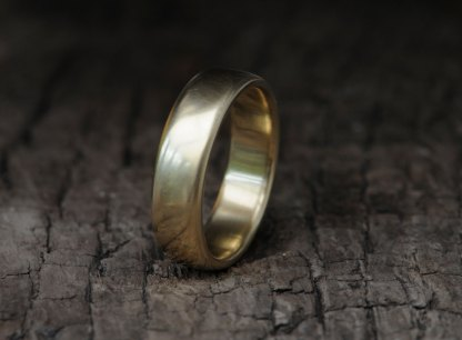 Mans-18K-y-Gold-band-7mm-wide