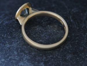green sapphire jamie ring in 18K YG