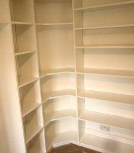 Corner bookcase with alcove