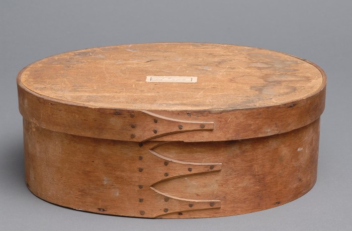 Lot 21: Two Oval Boxes