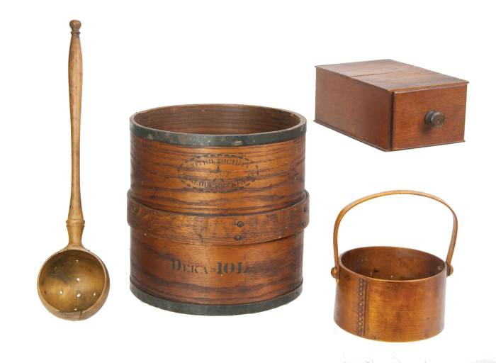 Lot 117: Woodenware