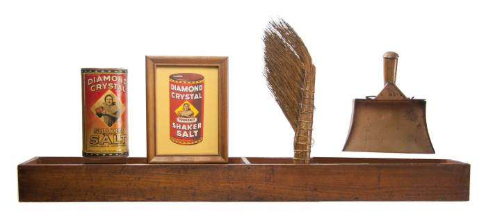 Lot 162: Add-on Tray, Shaker Salt, Brush and Dust Pan