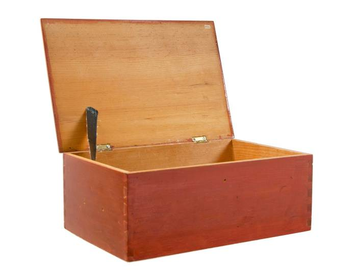 Lot 27: Work Box