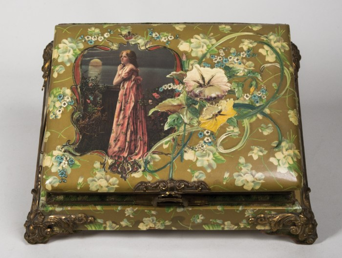 victorian, photo album, music box