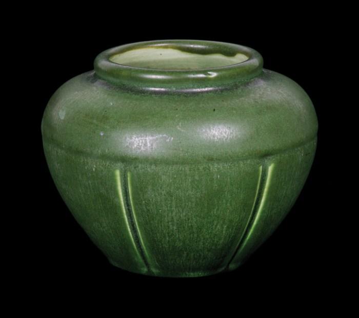 Hampshire Small Pot Or Vase