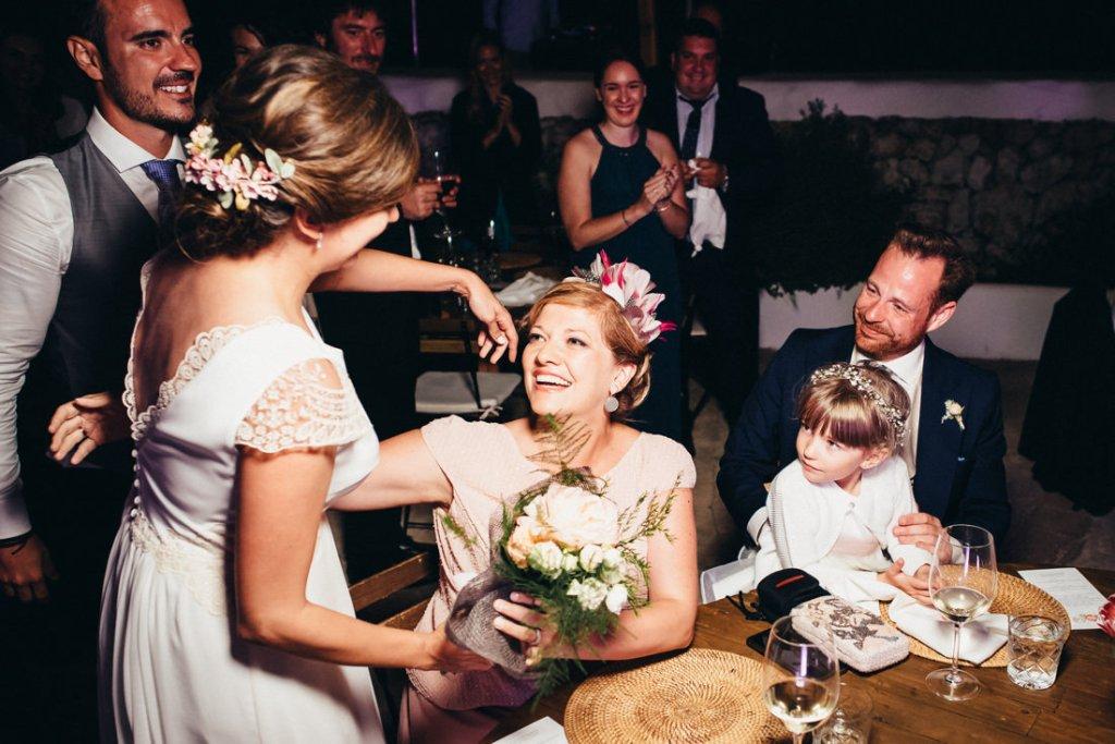 boda acantilado menorca mallorca ibiza formentera boda en la playa fotografia de boda 041