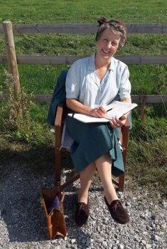 Julie-Summers-on-set