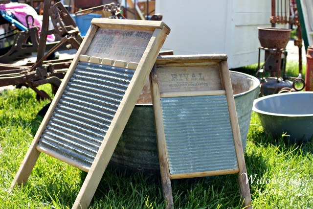 These old wash boards are great for decorating. You could even put some hooks in them and make a coat rack.