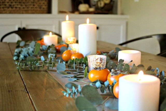 How to set a natural element Thanksgiving table.
