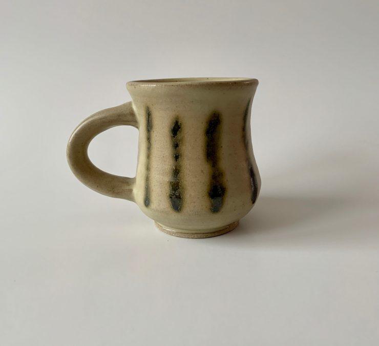 Mug with stripes
