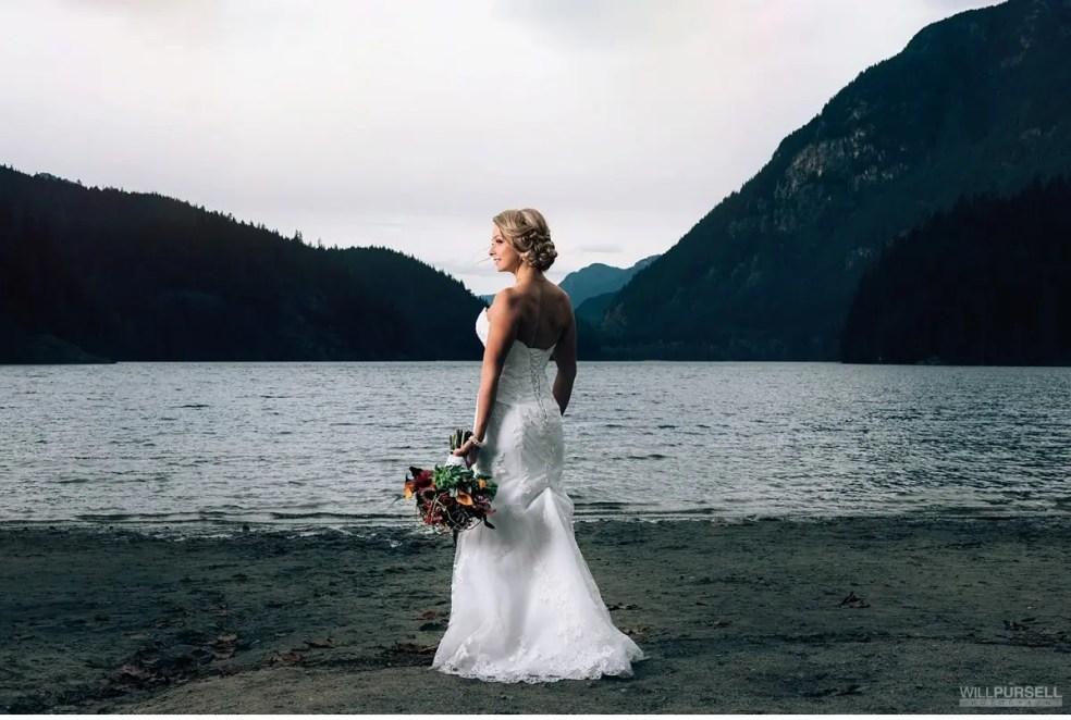 lake wedding photos vancouver