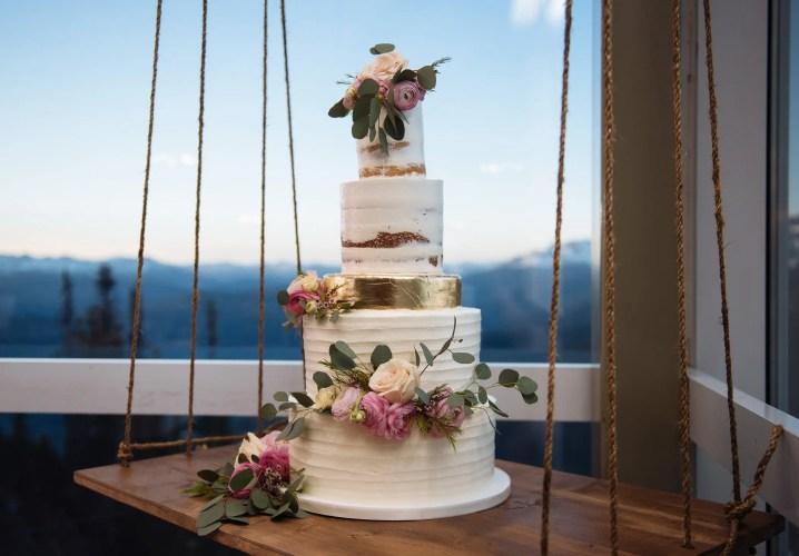 whistler wedding cakes
