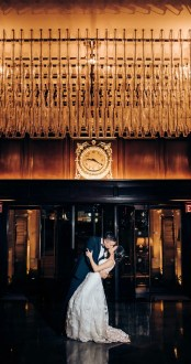032 Rosewood Hotel Georgia lobby wedding photos