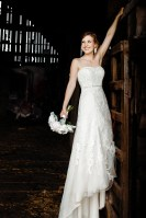 021 - wedding photos in barn