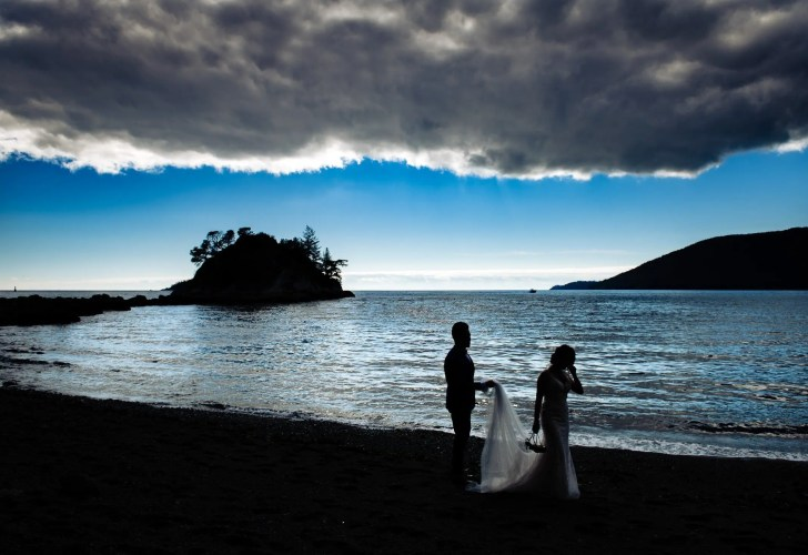 013 - whytecliff park beach wedding